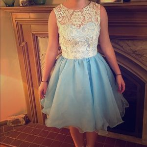 Dresses & Skirts - Blue party/homecoming dress